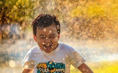 Wat maakt daadwerkelijk gelukkig? De 3 factoren voor Geluk volgens wetenschap